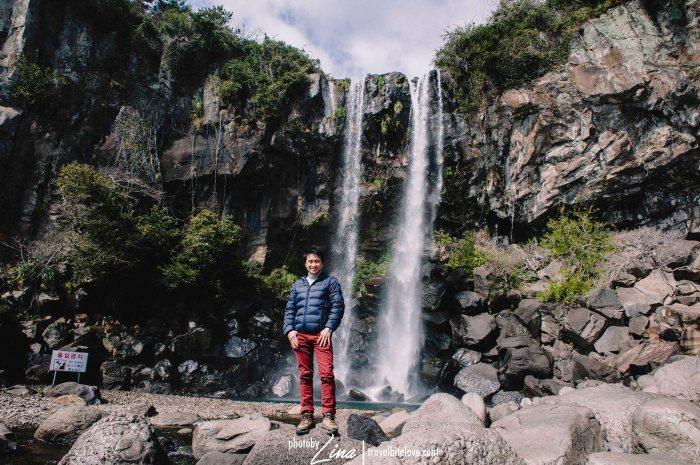 Jeongbang_Waterfalls_08