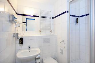 The ensuite bathroom.
