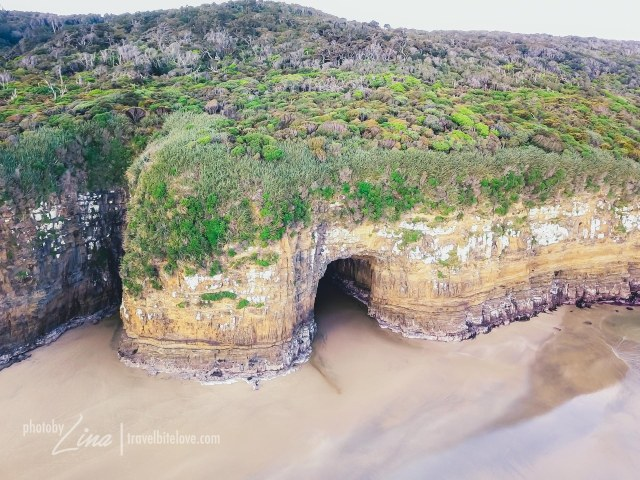 The Caves is facing the beach