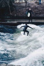 The surfers in the Eisbach